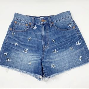 Madewell | The Perfect Jean Short Daisy Embroidery